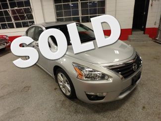 2015 Nissan Altima 2.5l ultra low  miles, completely loaded, like new! Saint Louis Park, MN