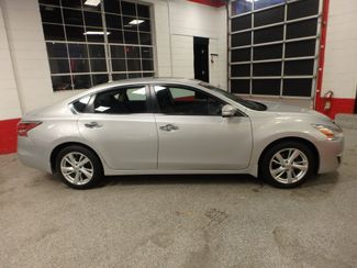 2015 Nissan Altima 2.5l ultra low  miles, completely loaded, like new! Saint Louis Park, MN 1