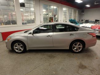 2015 Nissan Altima 2.5l ultra low  miles, completely loaded, like new! Saint Louis Park, MN 9