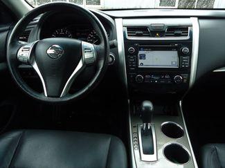 2015 Nissan Altima SL TECH PKG. NAVI. SUNRF. BOSE. BLIND SPOT SEFFNER, Florida 23