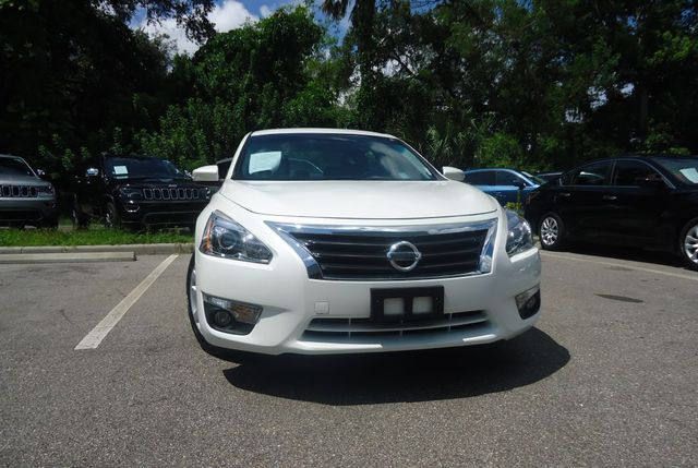 2015 Nissan Altima SL TECH PKG. NAVI. SUNRF. BOSE SOUND BLIND SPOT SEFFNER, Florida 13
