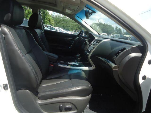 2015 Nissan Altima SL TECH PKG. NAVI. SUNRF. BOSE SOUND BLIND SPOT SEFFNER, Florida 24