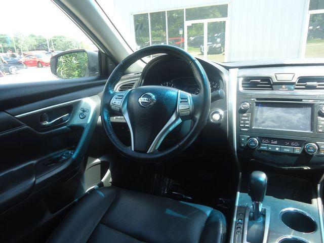 2015 Nissan Altima SL TECH PKG. NAVI. SUNRF. BOSE SOUND BLIND SPOT SEFFNER, Florida 26