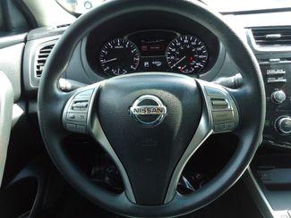 2015 Nissan Altima SPORT VALUE PK. BLACK WHEELS. SPOILER. CAMERA SEFFNER, Florida 20