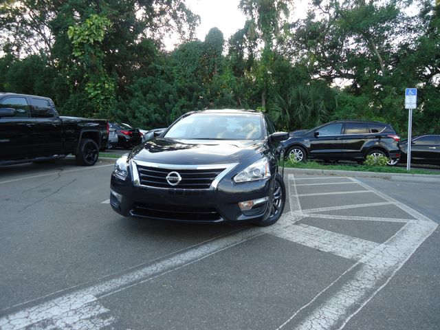 2015 Nissan Altima SPORT VALUE PKG. SPOILER. CAMERA. WHEELS SEFFNER, Florida 6