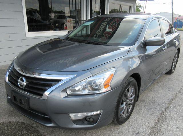 2015 Nissan Altima 2.5 S south houston, TX 1