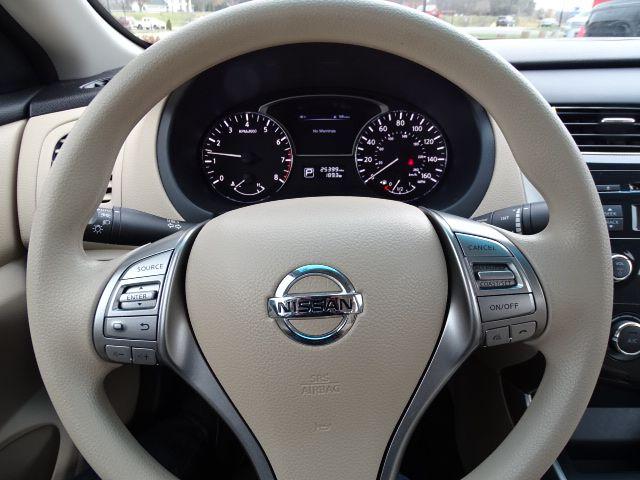 2015 Nissan Altima 2.5 S Valparaiso, Indiana 13