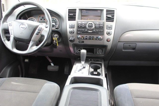 2015 Nissan Armada SV St. Louis, Missouri 12