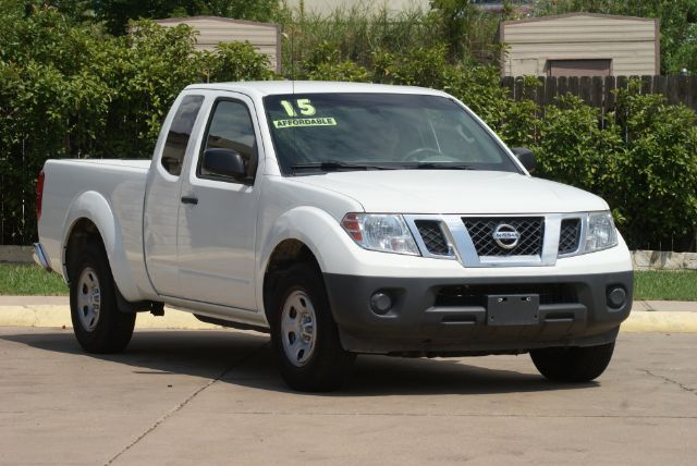 2015 Nissan Frontier SV King Cab I4 5AT 2WD