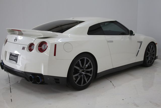 2015 Nissan GT-R Premium Houston, Texas 11