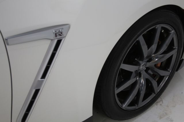 2015 Nissan GT-R Premium Houston, Texas 14