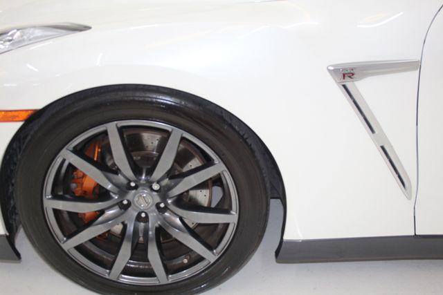 2015 Nissan GT-R Premium Houston, Texas 5