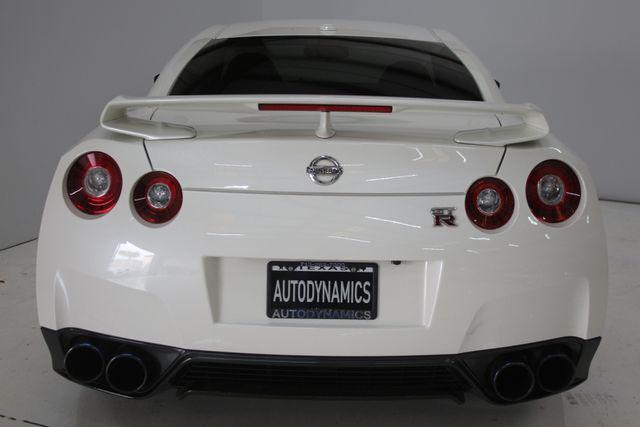 2015 Nissan GT-R Premium Houston, Texas 9