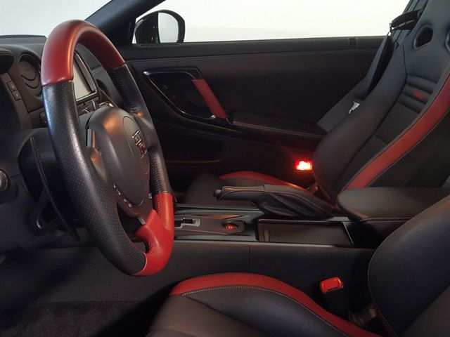 2015 Nissan GT-R La Jolla, California 16