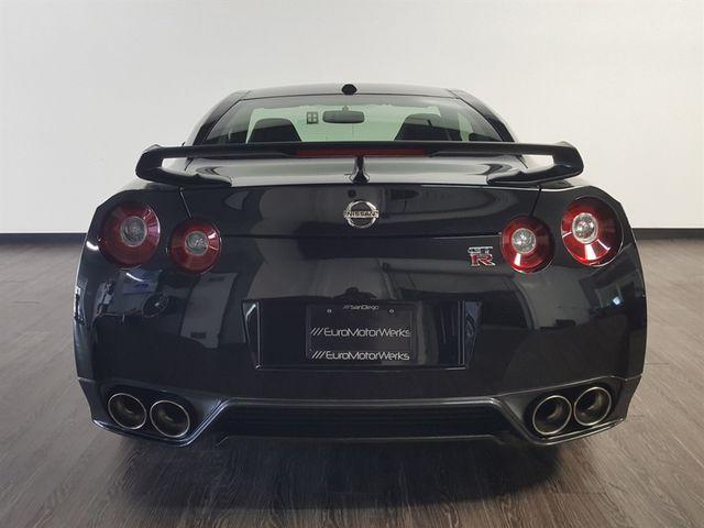 2015 Nissan GT-R La Jolla, California 5