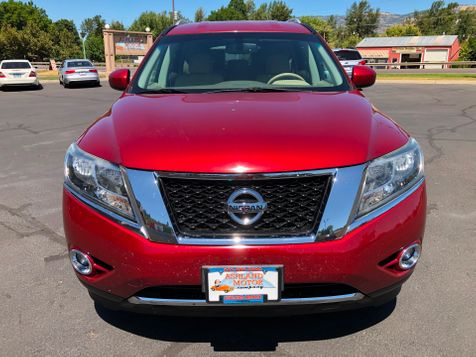 2015 Nissan Pathfinder SV | Ashland, OR | Ashland Motor Company in Ashland, OR