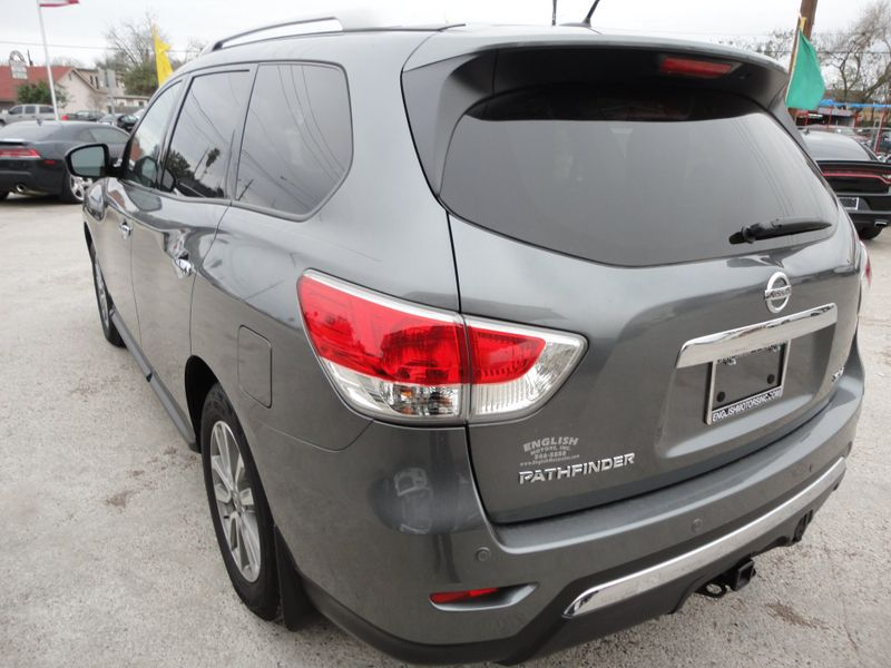 2015 Nissan Pathfinder SV  Brownsville TX  English Motors  in Brownsville, TX