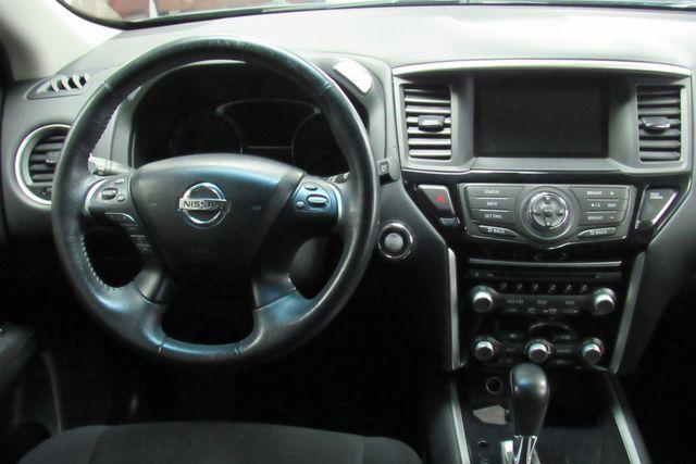 2015 Nissan Pathfinder SV Chicago, Illinois 14