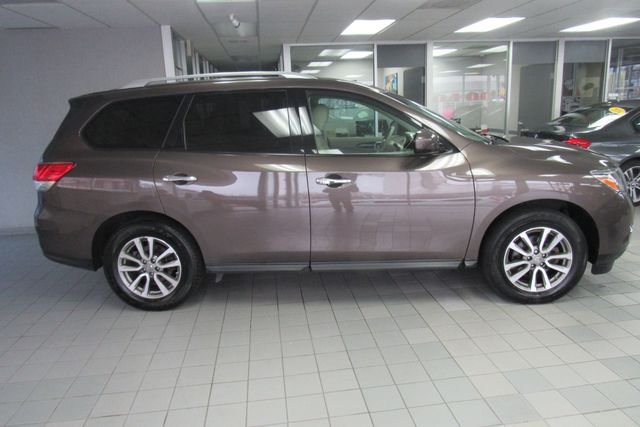 2015 Nissan Pathfinder SV Chicago, Illinois 4