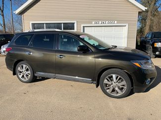 2015 Nissan Pathfinder Platinum in Clinton, IA 52732