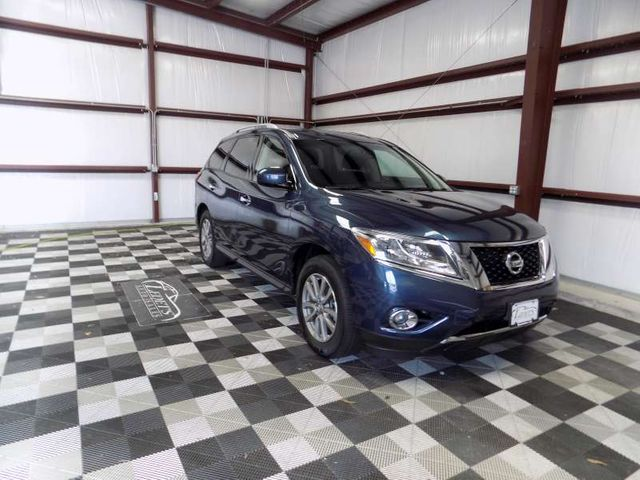 2015 Nissan Pathfinder SV in Gonzales, Louisiana 70737