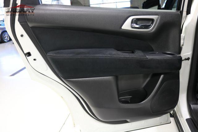 2015 Nissan Pathfinder SV Merrillville, Indiana 25