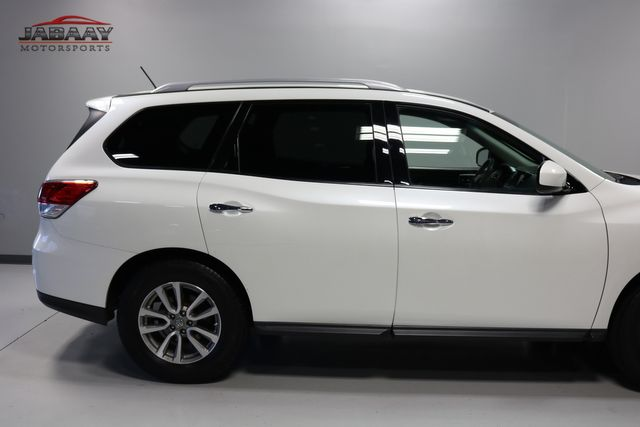 2015 Nissan Pathfinder SV Merrillville, Indiana 37