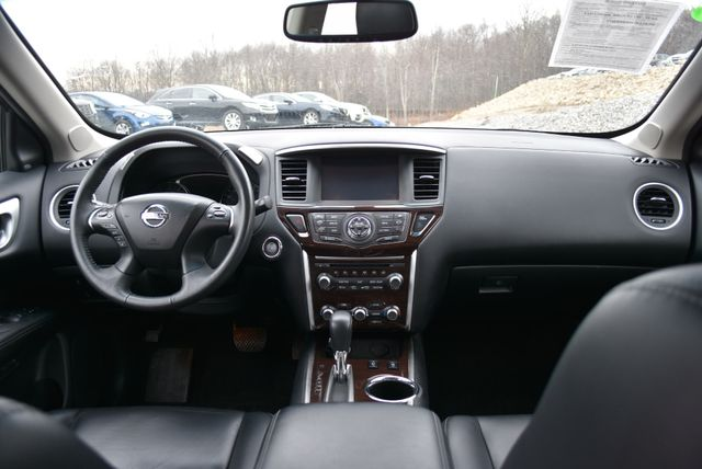 2015 Nissan Pathfinder SL Naugatuck, Connecticut 16