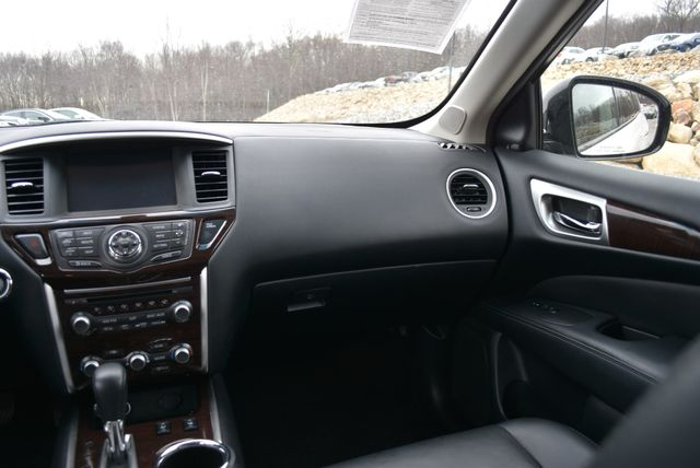 2015 Nissan Pathfinder SL Naugatuck, Connecticut 17