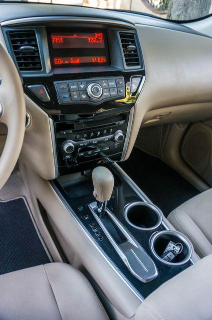 2015 Nissan Pathfinder S Reseda, CA 24
