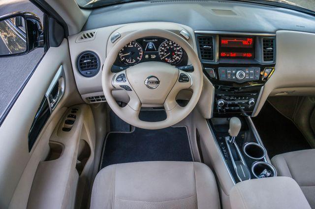 2015 Nissan Pathfinder S Reseda, CA 19