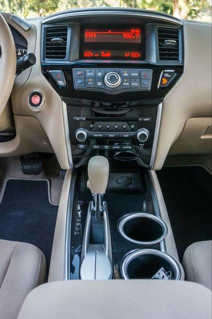 2015 Nissan Pathfinder S Reseda, CA 23