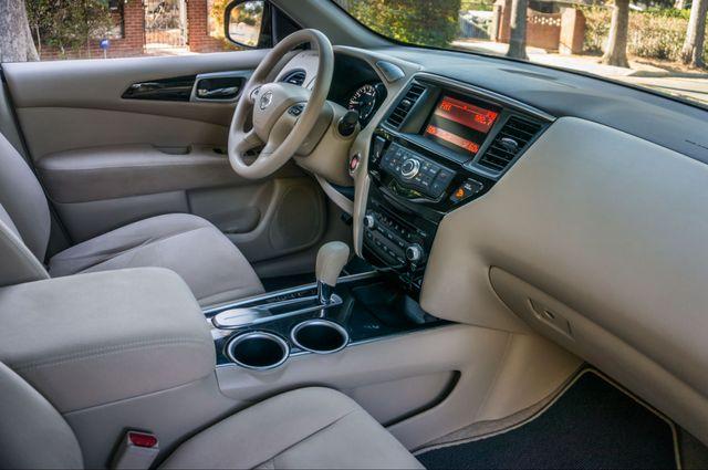 2015 Nissan Pathfinder S Reseda, CA 34
