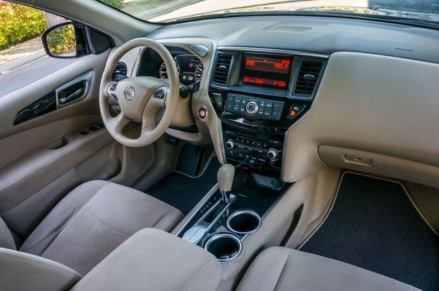 2015 Nissan Pathfinder S Reseda, CA 35