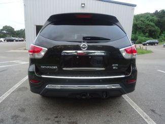 2015 Nissan Pathfinder SL 4X4. PANORAMA. NAVI. TOW PKG SEFFNER, Florida 15