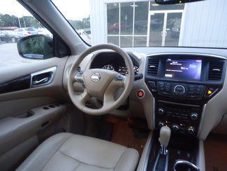 2015 Nissan Pathfinder SL 4X4. PANORAMA. NAVI. TOW PKG SEFFNER, Florida 27