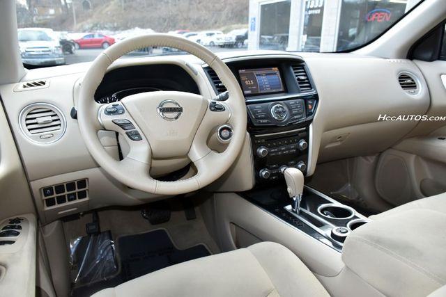 2015 Nissan Pathfinder SV Waterbury, Connecticut 14