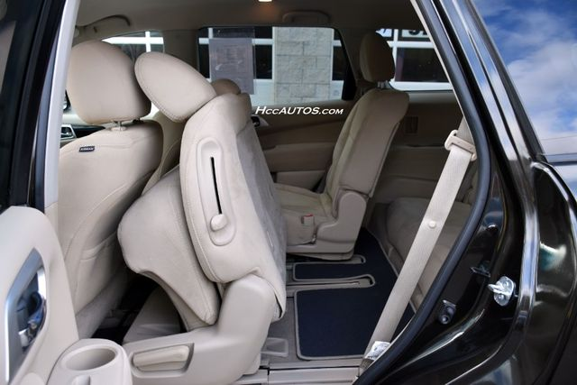 2015 Nissan Pathfinder SV Waterbury, Connecticut 17