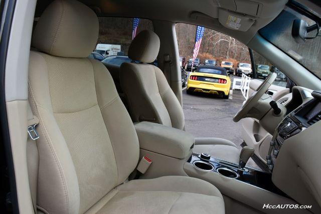 2015 Nissan Pathfinder SV Waterbury, Connecticut 22
