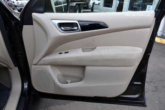 2015 Nissan Pathfinder SV Waterbury, Connecticut 24