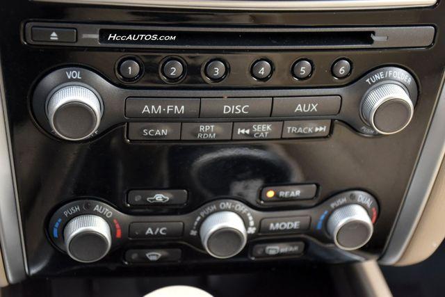 2015 Nissan Pathfinder SV Waterbury, Connecticut 34