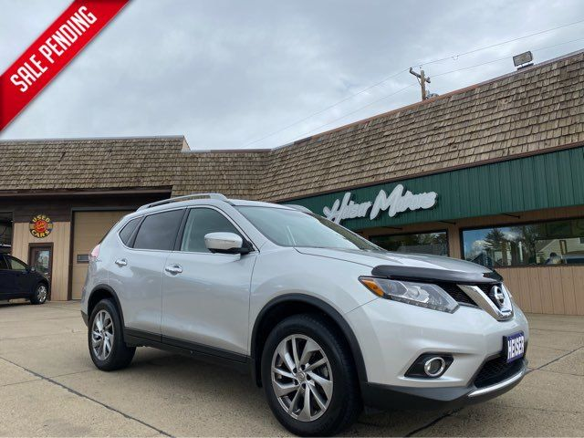 2015 Nissan Rogue SL in Dickinson, ND 58601