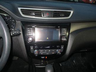 2015 Nissan Rogue SV Farmington, MN 7