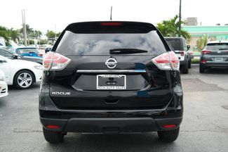 2015 Nissan Rogue S Hialeah, Florida 4