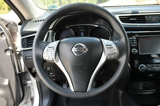 2015 Nissan Rogue SV Naugatuck, Connecticut 17