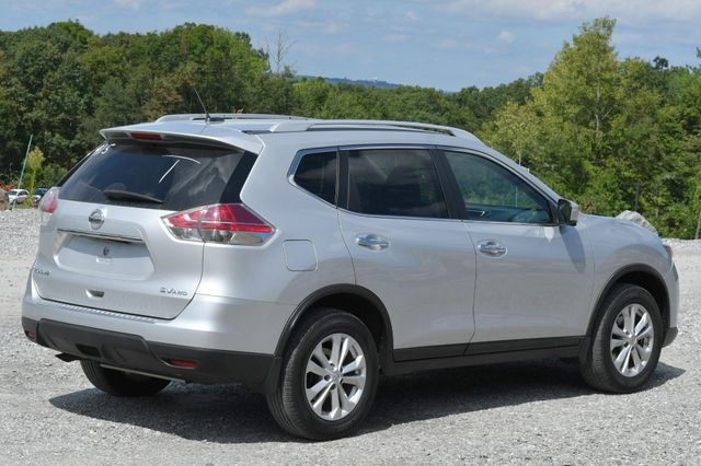 2015 Nissan Rogue SV Naugatuck, Connecticut 4