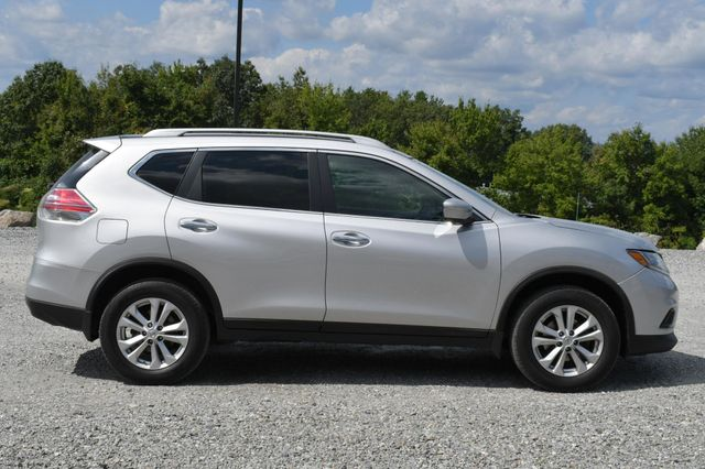 2015 Nissan Rogue SV Naugatuck, Connecticut 5