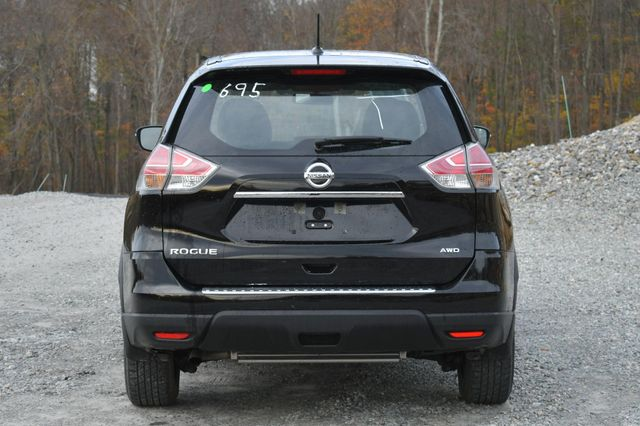 2015 Nissan Rogue S Naugatuck, Connecticut 3