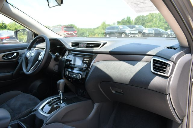 2015 Nissan Rogue SV AWD Naugatuck, Connecticut 11