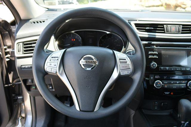 2015 Nissan Rogue SV AWD Naugatuck, Connecticut 15
